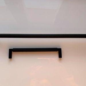 czarny uchwyt do mebli relingowy 15191Z3200M.N2